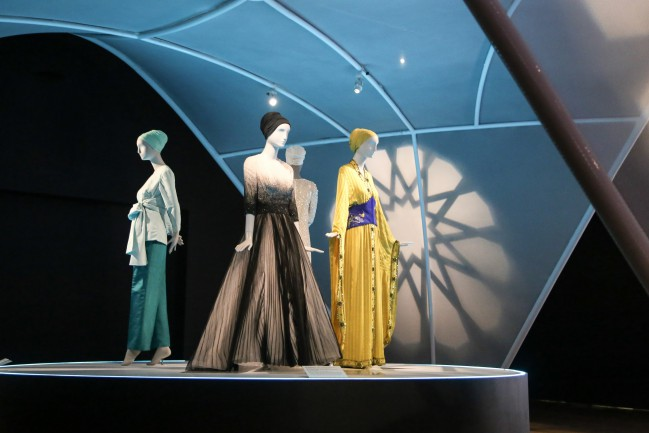 """Installation of """"Contemporary Muslim Fashions"""" on view at the de Young museum from September 22, 2018 - January 6, 2019 Photography by Joanna Garcia Cheran Image courtesy of the Fine Arts Museums of San Francisco"""