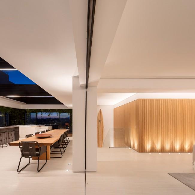 Tavarua Residencial Penthouse by Fernanda Marques