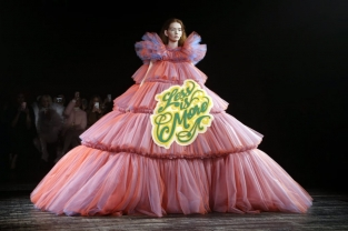 evening dress less is more viktor + rolf pe 2019 haute couture