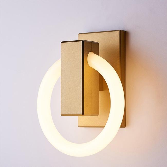 Olah light by Maurice Dery and Jordan Dery