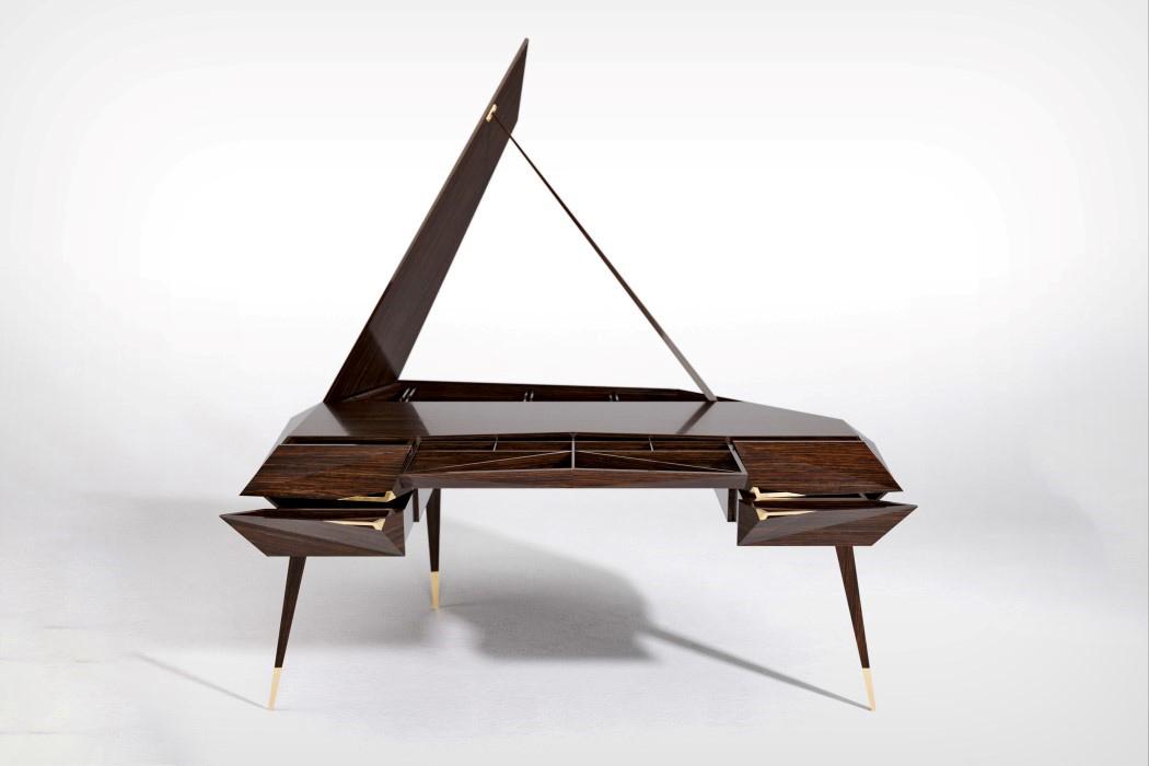 Intermodality Desk by Attila Stromajer - Thy Mag
