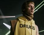 """Stupefacente"" Raf Simons: riflessioni sull'addiction alla New York Fashion Week"